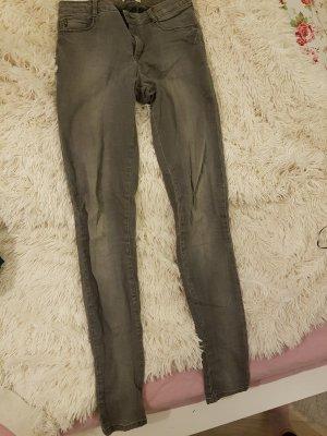 enge graue jeans ♡