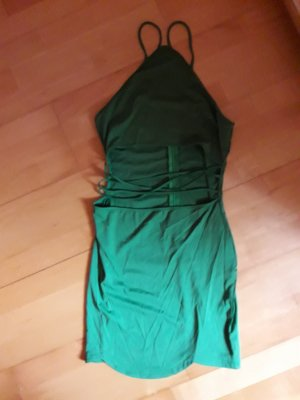 Enges Kleid mit Cut-Outs