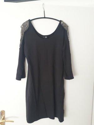 Enges Kleid mit Epauletten