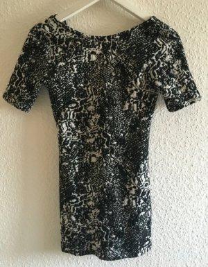 Enges Kleid mit Marmorprint