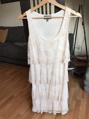 Enges Kleid mit Spitze, cremefarben