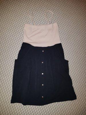 Enges kurzes Kleid
