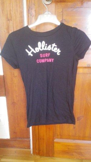 Enges, schlichtes T-Shirt