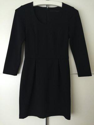 Enges schwarzes Kleid von SET