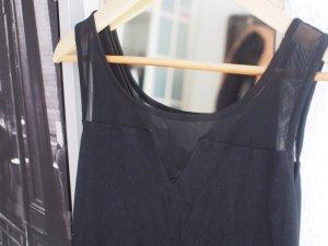 Enges schwarzes Partykleid mit transparentem Einsatz