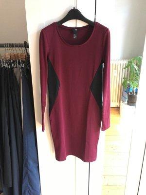 enges Shirt-Kleid