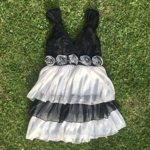 New Look Robe Babydoll blanc-noir