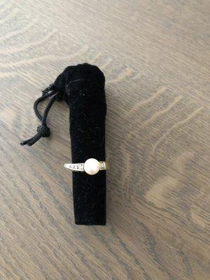 Erbstück - 585 Ring mit Perle und kleinen Brillianten