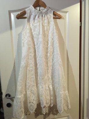 Robe en dentelle blanc tissu mixte