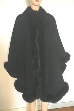 Escada Cape mit Echtpelz  schwarz wie neu