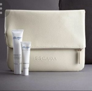Escada Clutch in Beige mit La Mer Creme und Lip Perfection (Lufthansa Amenity Kit)