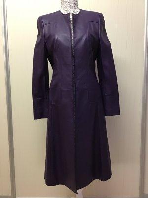 Escada Manteau en cuir violet foncé