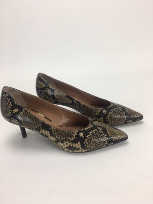 Escada Pointed Toe Pumps light brown leather