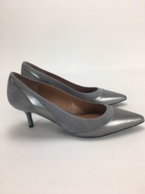 Escada Pointed Toe Pumps grey