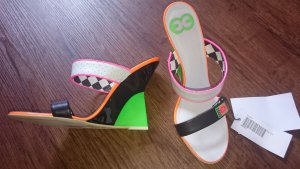 Escada Neonfarbene Wedges