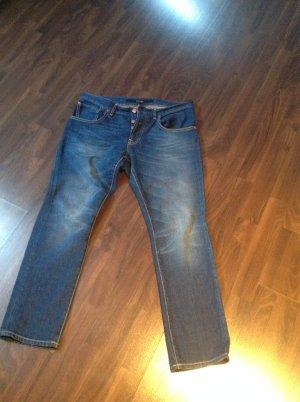 ESCADA  Sport Jeans sucht neuen Knackpo :-)