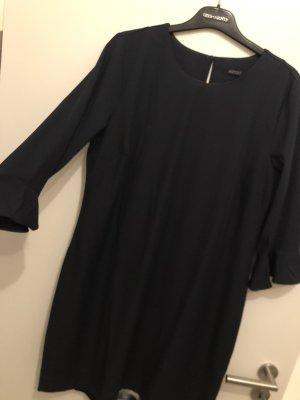 Esmara Vestido estilo flounce azul oscuro