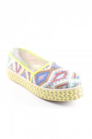 Espadrille Sandals graphic pattern casual look