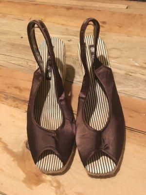 Sandalo alto con plateau marrone