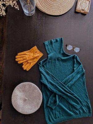 Esprit Top con colletto arrotolato petrolio-verde scuro