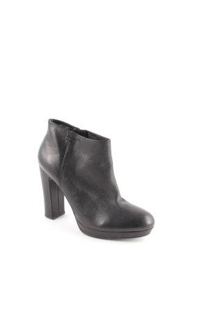 Esprit Botas de tobillo negro estilo clásico