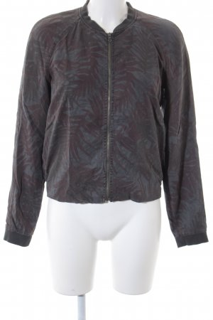 Esprit Blusenjacke florales Muster Street-Fashion-Look