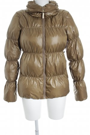 Esprit Daunenjacke goldfarben Steppmuster Street-Fashion-Look