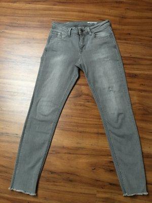 Esprit EDC, coole Jeans, grau mit Fransensaum, Skinny, Gr. 26, Länge 30