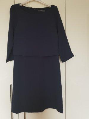 Esprit Robe fourreau bleu foncé polyester