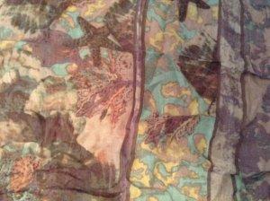 Esprit-Halstuch quadratisch in frischen Farben!