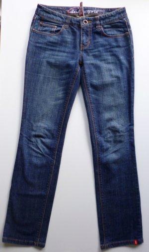 Esprit Jeans dunkelblau mit leichter Waschung, grade geschnitten, Medium Waist