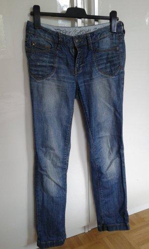 Esprit Jeans Hose Größe 27/30 bzw. S/36 Used Look gerades Bein