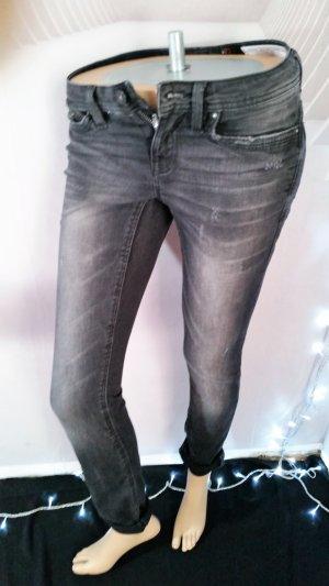 Esprit Jeans schwarz Gr 25/32 slim fit five used look