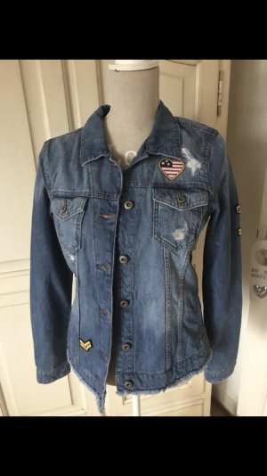 Esprit Jeansjacke mit Patches neu mit Etikett 70€