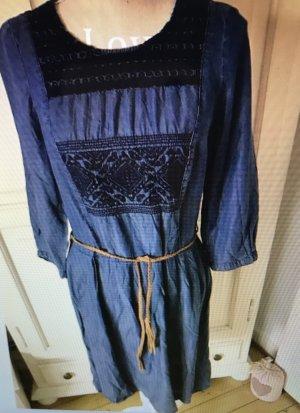 Esprit Jeanskleid mit Stickereien und Ledergürtel neu 70€
