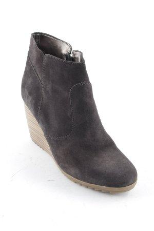 Esprit Keil-Stiefeletten schwarzbraun schlichter Stil