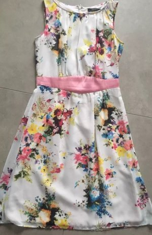 Esprit Kleid hochwertig XS wunderschön