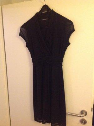 Esprit Kleid mit kurzen Ärmeln