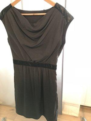 Esprit Kleid schick und leger in taupe/braun und schwarzen Pailletten