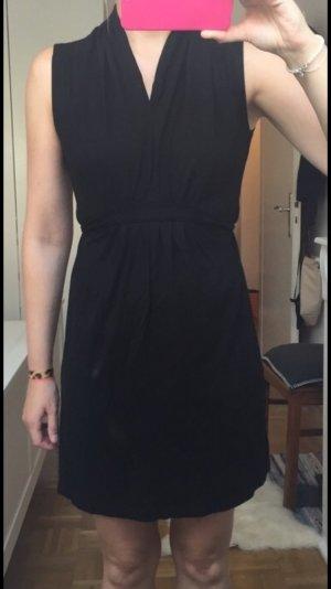 Esprit Kleid schwarz tailliert Gr. S