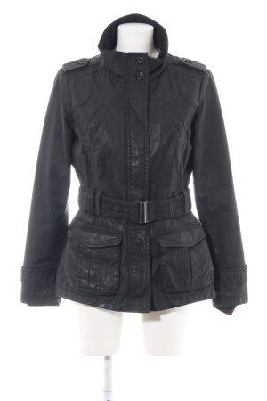 Esprit Abrigo corto negro look casual