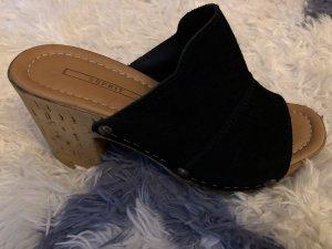 de.corp by Esprit Platform High-Heeled Sandal black-brown