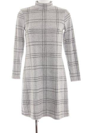 Esprit Robe pull gris clair-noir motif à carreaux style décontracté
