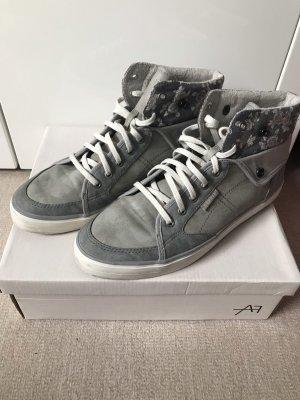 Esprit Sneaker grau Gr. 41