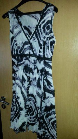 Esprit Sommerkleid mit V- Ausschnitt