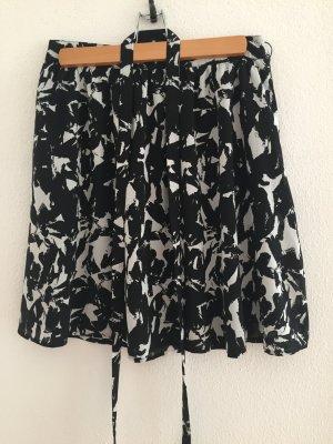Esprit Sommerrock schwarz, weiß gemustert
