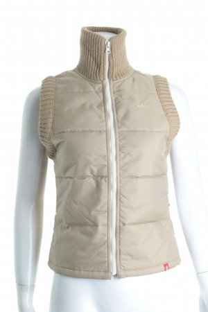 Esprit Steppweste beige Street-Fashion-Look
