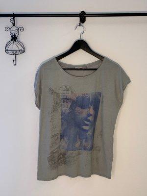 Esprit Tshirt mit Aufdruck