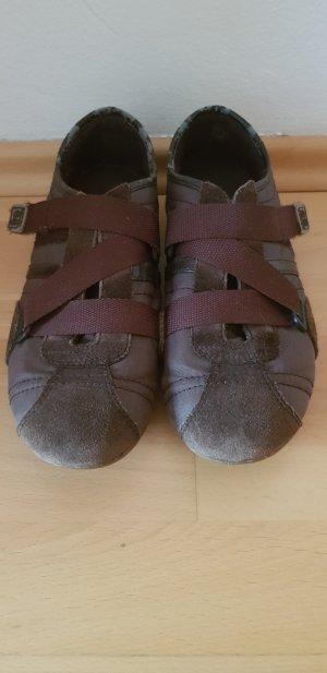 Esprit Sneaker con strappi marrone scuro