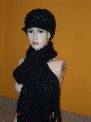 Esprit: XL Schal und Mütze Schirmmütze in Lila, toller Strickmuster